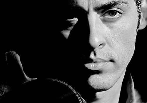 علی شوکت: سبک کارهایم راک نیست/ برنامه ای برای تغییر ظاهرم ندارم