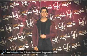 فرزاد فرزین خواننده رسمی ایران در جامجهانی فوتبال هنرمندان