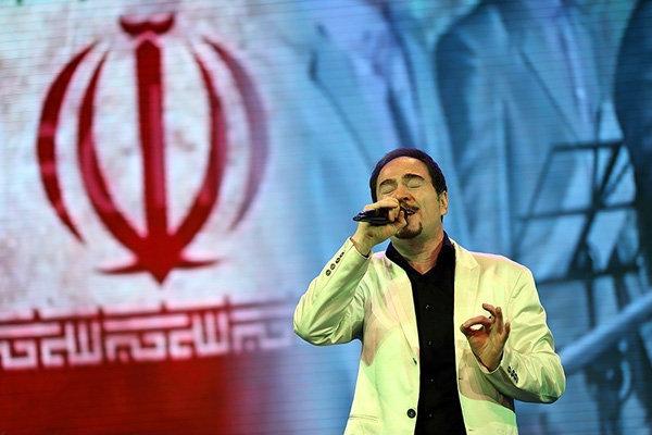خشایار اعتمادی «ایران زمین» را آماده کرد