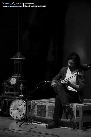 «علی قمصری» بی زمانی را به روی صحنه برد