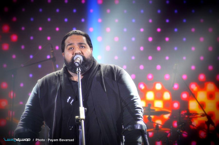 کنسرت بزرگ «رضا صادقی» در شب بارانی تهران برگزار شد
