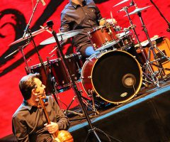 17 4 240x200 - گزارش تصویری کنسرت مهران مدیری در برج میلاد