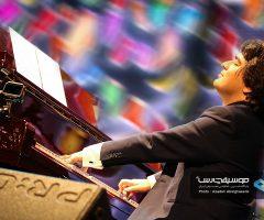 31 1 240x200 - گزارش تصویری کنسرت مهران مدیری در برج میلاد