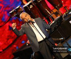 44 1 240x200 - گزارش تصویری کنسرت مهران مدیری در برج میلاد