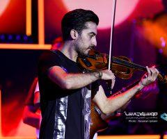 8 2 240x200 - گزارش تصویری کنسرت تهران علیرضا طلیسچی در ۲۵ مرداد ماه